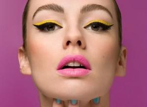 mod-60s-makeup-600x436