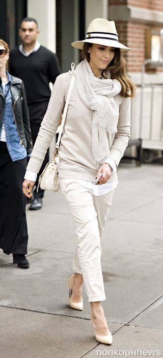 Jessica Alba looks ready for Spring as she steps out in a wide-brimmed hat and capri pants in NYC. Pictured: Jessica Alba Ref: SPL391570 090512 Picture by: Jason Webber / Splash News Splash News and Pictures Los Angeles: 310-821-2666 New York: 212-619-2666 London: 870-934-2666 photodesk@splashnews.com